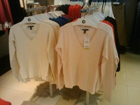 adorei essas blusas, muitas cores e tamanhos por 23 dolares