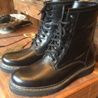 Sapatos Dr. Martens (ou quase isso)