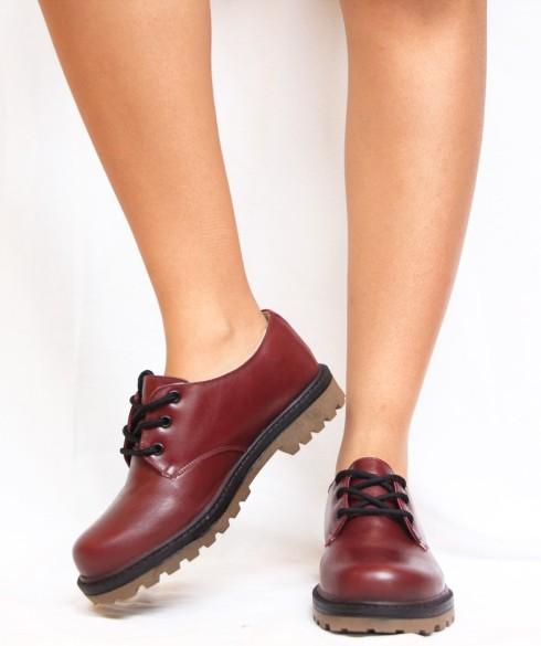 Sapato da Yellow Factory, custou em abril de 2016 R$210